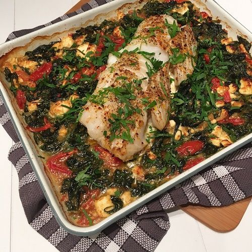 Oven cod with spinach, tomato and feta