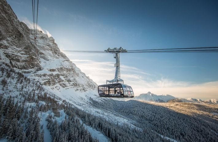 """Zugspitze: New record-breaking cable car to the Top of Germany. Photo: Bayerische Zugspitzbahn Bergbahn AG/Max Prechtl. Only for editorial use related to the new cable car Zugspitze. Veröffentlichung bitte unter Quellenangabe: """"obs/Bayerische Zugspitzbahn Bergbahn AG/Max ..."""
