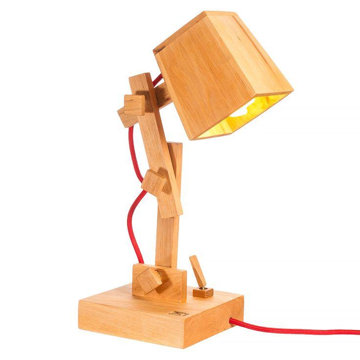 Модель: TL3 Цена: 1900 грн Модель TL3 создана для любителей компактности и эргономичности. Невысокая настольная лампа , отлично будет выглядеть на вашем рабочем столе. Высоту и углы наклона можно регулировать в ручную, не прилагая больших усилий.