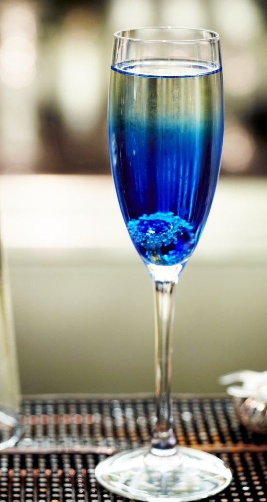 champagne wedding ideas   Get a Royal Wedding ring in your Zenna cocktail   DesignMyNight,,,Specialty drink