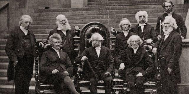 #HeyUnik  Alasan Mengapa Orang Tidak Tersenyum di Foto-foto Jadul #Fotografi #Sejarah #Sosial #YangUnikEmangAsyik