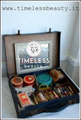 """""""una valigetta trucco professionale del truccatore cine/teatrale degli anni 30 #timeless #historyofmakeup #case"""