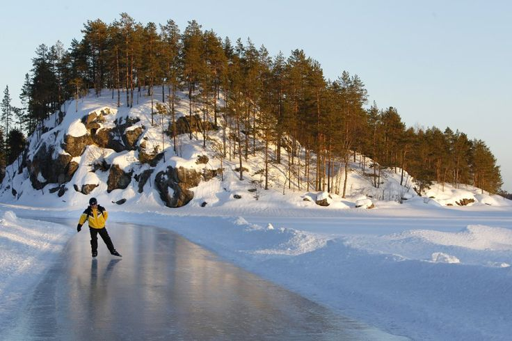 Skating Tour on lake Saimaa Glide on the lake ice! In Linnansaari National park there is a great tour skating route from one hotel to another, in total 18km. As your vehicle you may also choose a kicksled, skies or snowshoes.