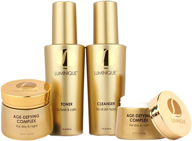 Luminique offers 24x7 customer service to clear all your doubts about the brand or to help you know the products being offered in greater detail. You can connect with these company representatives and keep a track of your order as well. Call the phone numbers provided at the Luminique official website and get the answers you are looking for.