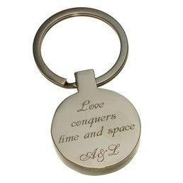 Un #cadou deosebit pentru indragostiti: #breloc #gravat cu mesaj romantic