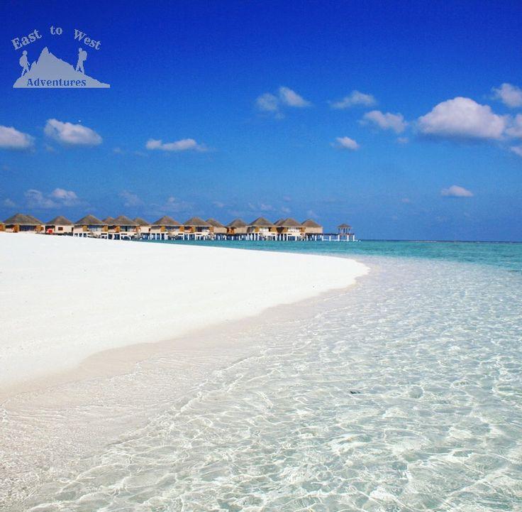 Crystal water  #easttowestadventures #maldives #travelblogger #travelphotography   To know more about our trip to the Maldives check the blog لمعرفة المزيد عن رحلتنا إلى جزر المالديف يمكنك قراءة المدونة على الرابط http://www.easttowestadventures.com/en/