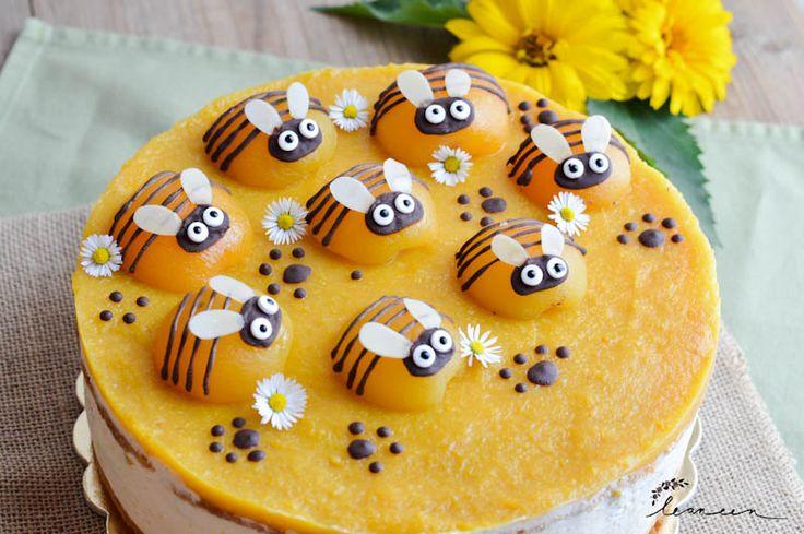 Torta Čebelica je rešitev za tiste, ki si želite narediti kakšno prikupno torto za otroke in niste spretni s sladkorno maso. Tudi sama nimam pojma o delu s sladkorno maso, zato mi je bila ideja, ko sem jo videla na Instagramu, takoj všeč.Na ta način lahko okrasite tudi najbolj brano torto na blogu~ breskovo tortoRead more