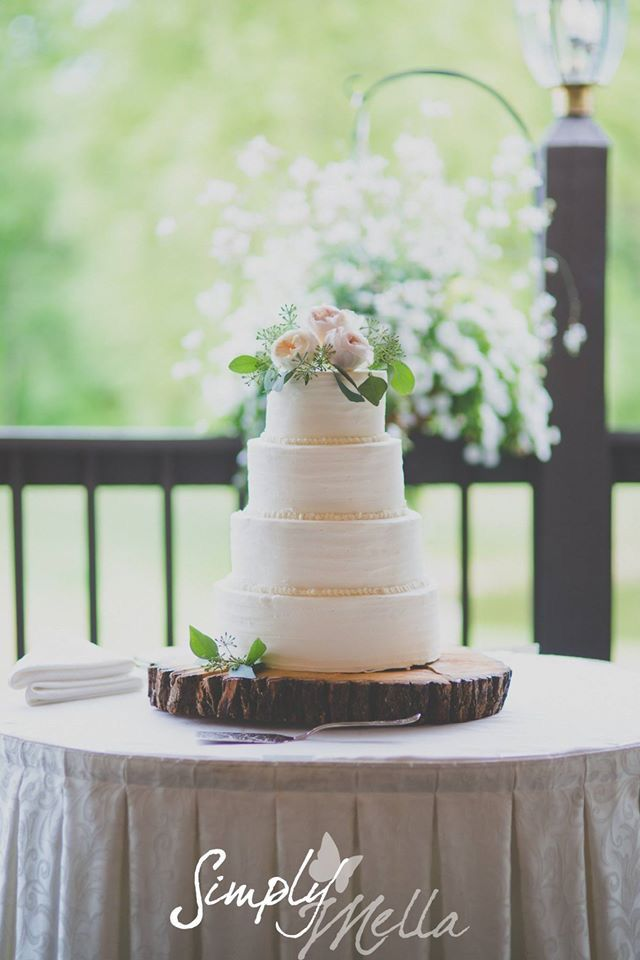 Wedding Cakes For Barn Weddings