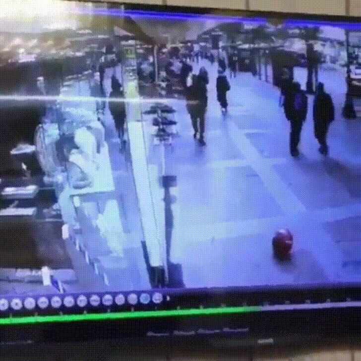 Man tries bicycle kick to balloon