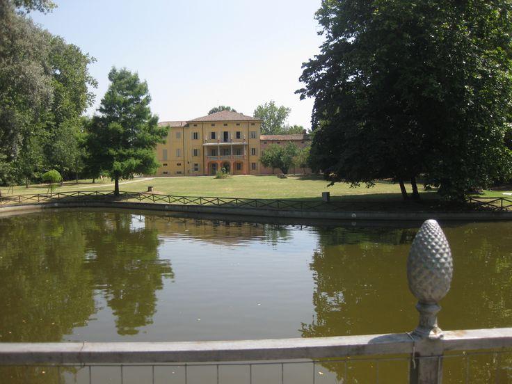 Il parco di Villa Smeraldi, Museo della civiltà contadina San Marino di Bentivoglio (BO) - Veduta dal laghetto.