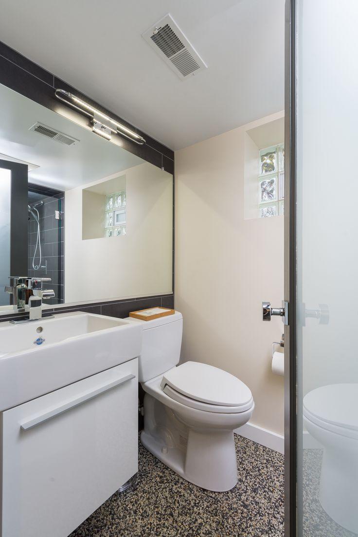 Niedrige Decken, Betonböden, Badewannen, Keller Ideen, Keller, Badezimmer,  Natural Light