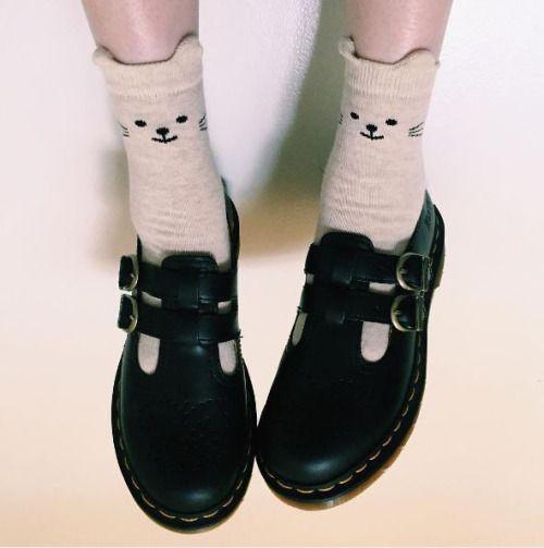 1f2c1c1d63 Resultado de imagem para doll shoes tumblr   aesthetic//just peachy   Shoes,  Valentino shoes, Sock shoes
