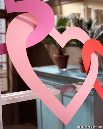 : Paper Garlands, Idea, Heart Garlands, Paper Heart, Valentines Day, Paper Chains, Cut Outs, Construction Paper, Crafts