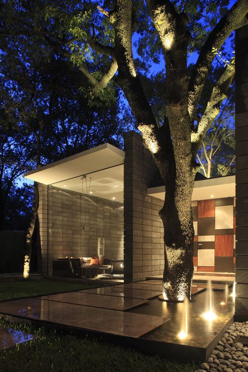 Torres House by GLR Arquitectos via Design Milk