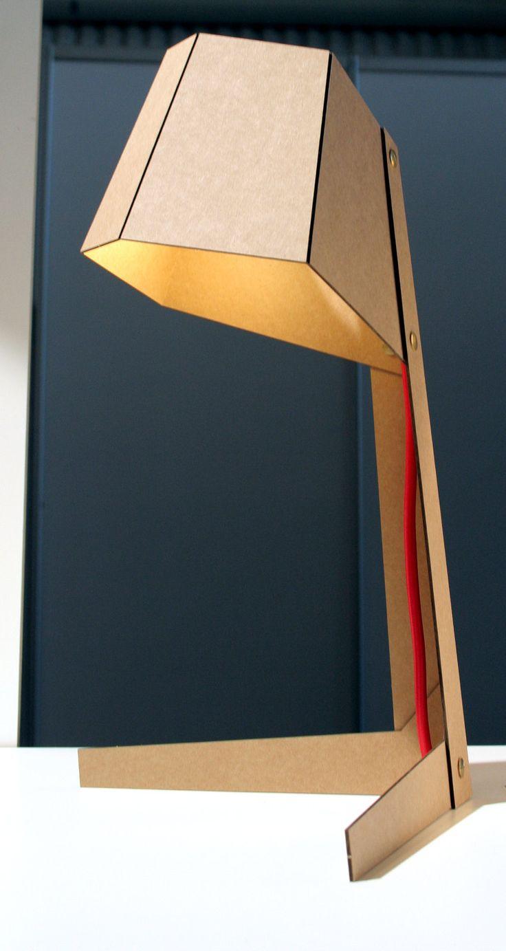Habitare 2013. Antti-Jussi Silvennoinen ja Pekka Kuivamäki, Burn After Reading, valaisin/lamp, valmistettu voimapahvista/manufactured from strong cardboard.
