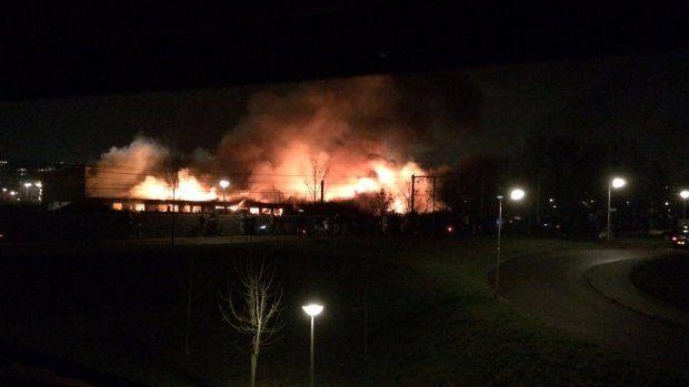 Grote brand in Amersfoort, inwoners moeten ramen en deuren sluiten