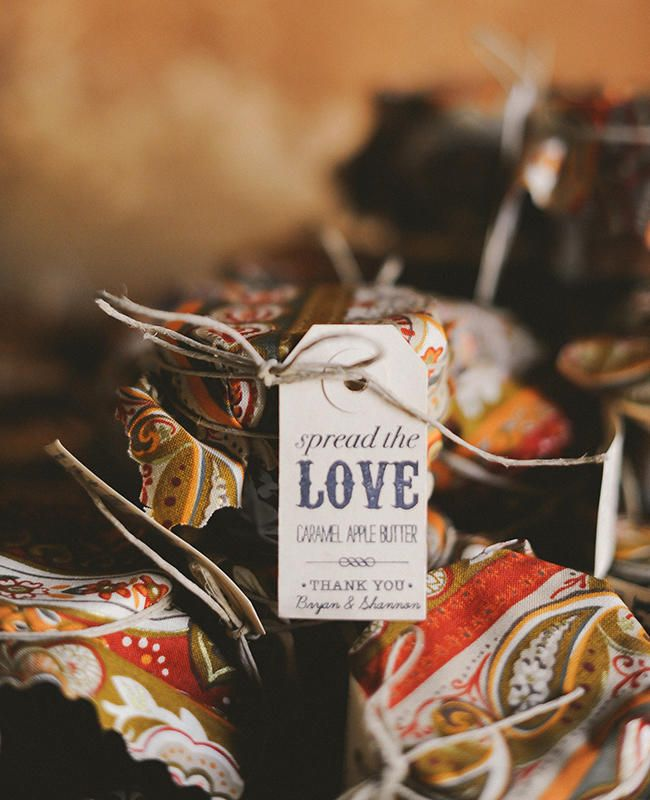 Homemade Caramel Apple Butter Favors | 10 Fall Wedding Ideas We Love Right Now | https://www.theknot.com/content/10-fall-wedding-ideas-we-love-right-now