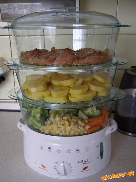 Recepty pro parní hrnec<br><br>Při vaření knedlíků a bramborového těsta je třeba vymazat nádoby olej...