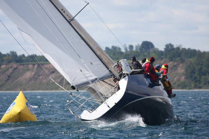 Tango rounding the Mark - a little overpowered