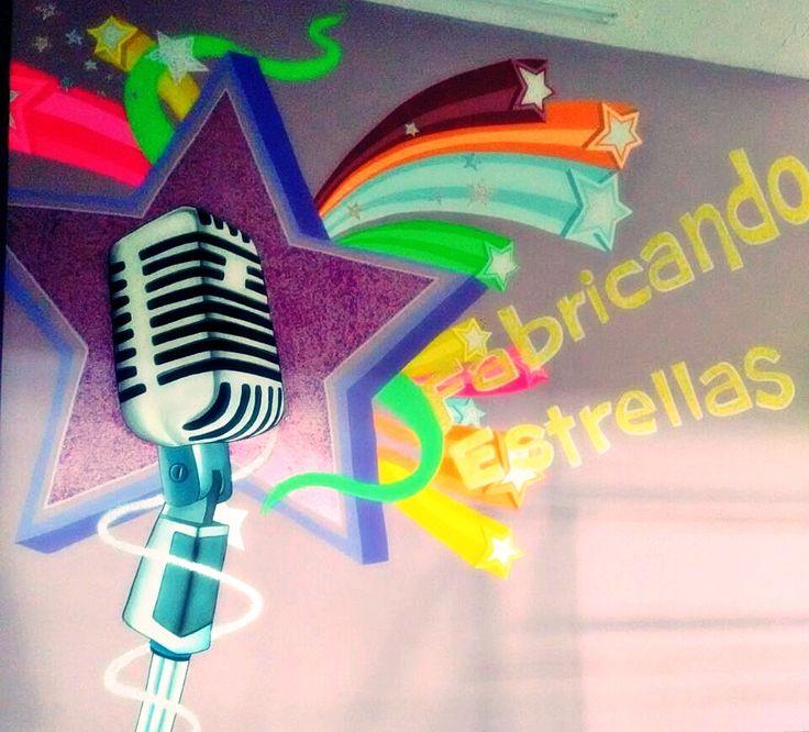 """Nuestro mural en """"Champetas"""", la zona de baile y karaoke. ¿Que les parece? #Chamburcity #Cali #Karaoke #Baile #Coreografia"""