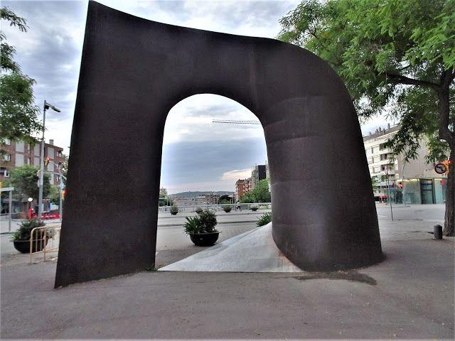 Redescubriendo Barcelona Y Más Allá 2 03 06 2020 Porta De Sarrià Jardín Delantero Barcelona Acero Corten
