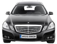 Limousine funéraire AURA est un classique par excellence. Plus infos bergadana.com