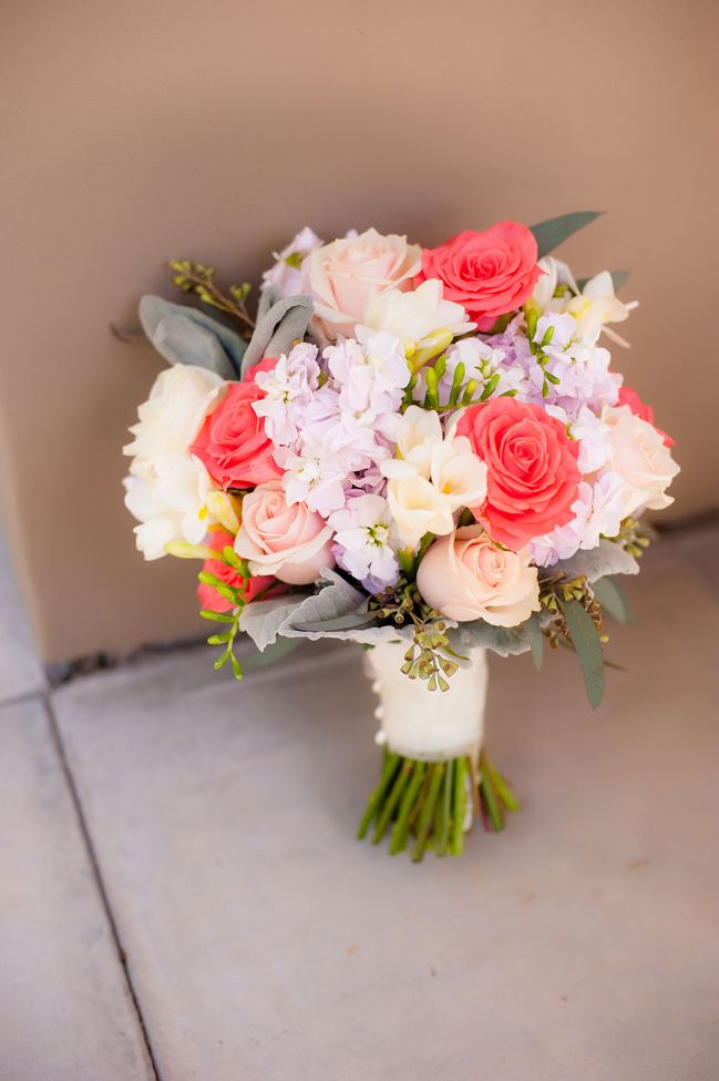 Historic Rustic Wedding. Love this bouquet!  Beautiful @Kelsey Moreau