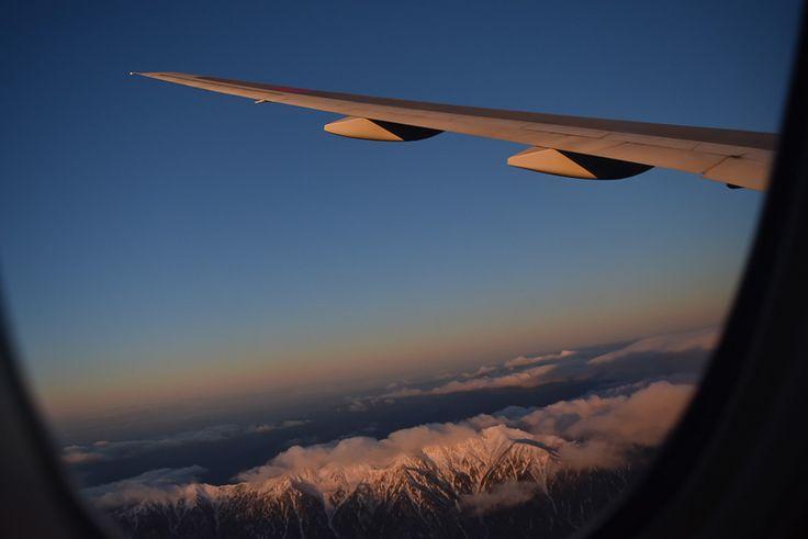 朝日に染まる南アルプスの山々