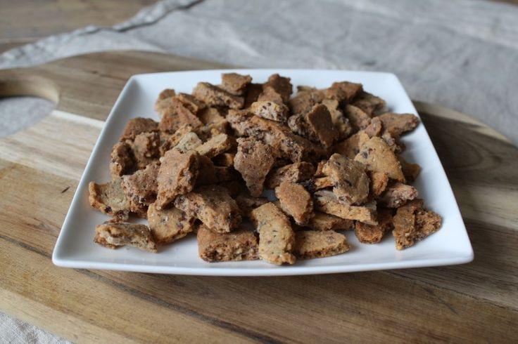Kaneel crunchies 7 el amandelmeel 2 el gebroken lijnzaad 1 eiwit 2 el boter (smelten) Stevia (bakbestendig, anderen nemen af in zoetheid of worden bitter) 1a2 el Kaneel (ook lekker met cacaopoeder of koekkruiden)