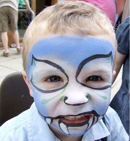 Trucco da mostro per Halloween in tonalità blu