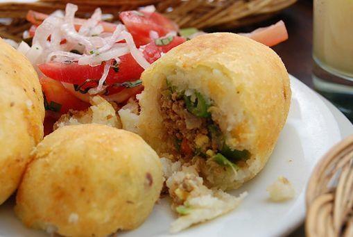 Colombian food appetizer - Entrada Colombiana - papa rellena - stuffed potatoe