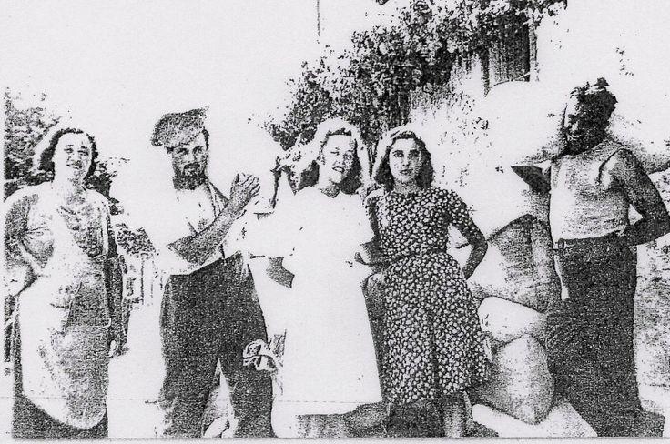 La battitura del grano. Sistemazione dei sacchi in via del Golfo, dai Gori - 1930.