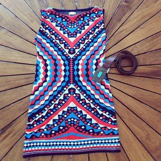 News! News! News! Vestido tricot colorido + Cinto couro fivela e aplicações em metal!