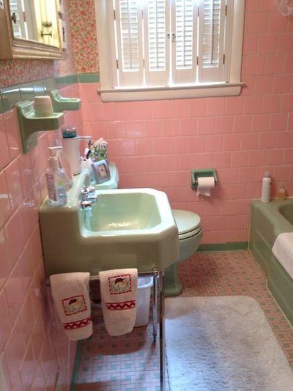 tickled pink retro bathroom - Retro Bathrooms