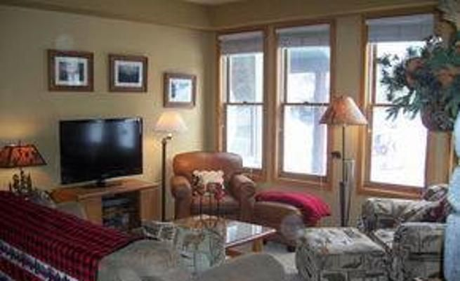 Pet-Friendly Vacation Condo with Gas Fireplace -VaycayHero