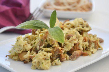 Die Gerösteten Schwammerl schmecken herrlich. Dieses Rezept eignet sich besonders für Eierschwammerl.