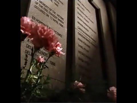 Flughafenbrand Düsseldorf 1996 – Die schlimmste Katastrophe 11. April 1996, der Donnerstag nach Ostern. Auf dem Flughafen Düsseldorf herrscht Ferienbetrieb: Urlaubsrückkehrer, Abholer, Geschäftsreisende. Alles ist so wie immer – bis um 15.31 Uhr eine Explosion den Flughafen-Terminal...