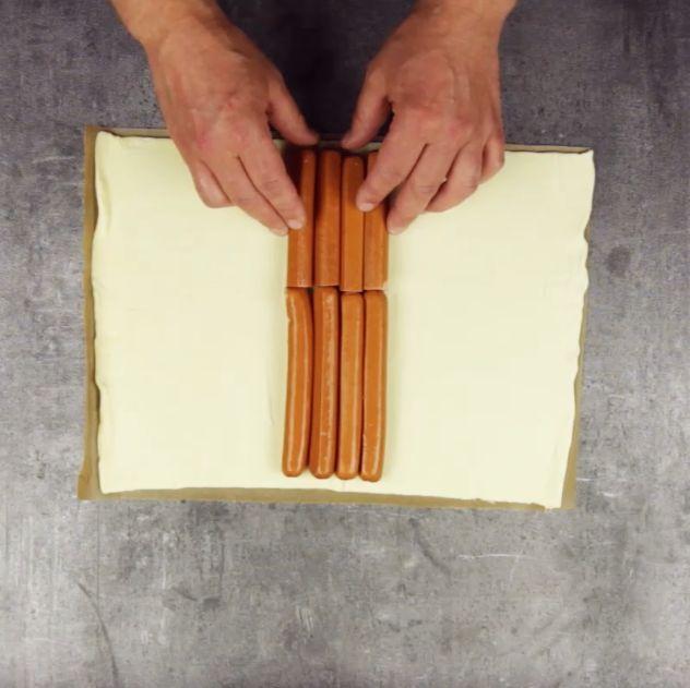 Ein Zopf auf den Männer fliegen Hot Dog der anderen Art: gebettet und geflochten in Blätterteig.