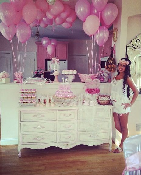I want this decor put not pink and then a huge sleepover!!:) for my sweet 16