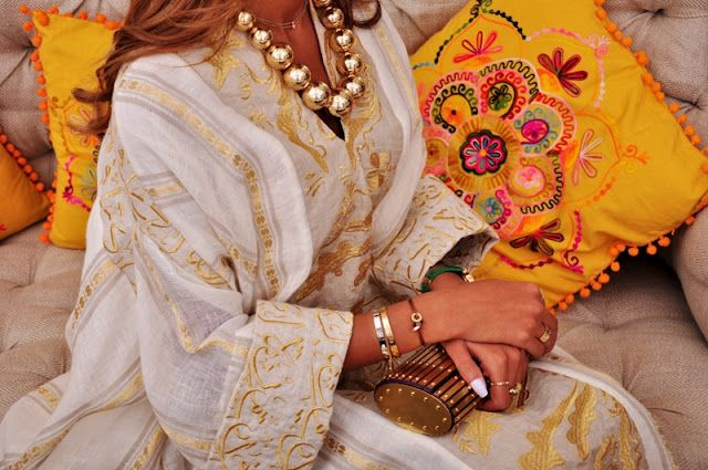 The White Connection- Women UAE Kaftans, Womens Dubai Kafttans, Wedding Abayas in UAE, Abayas in Dubai