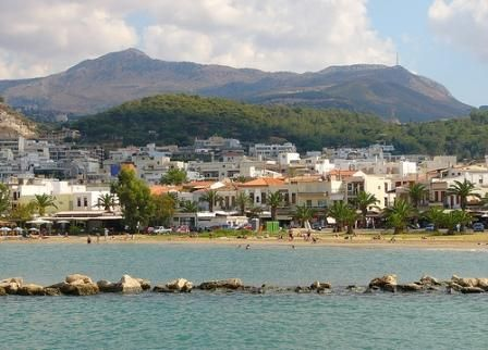 Rethymnon Town; Venetian architecture, picturesque narrow streets, cafes...