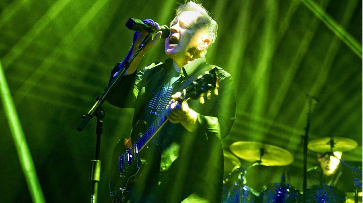 New Order Play With Their Pleasure Zones in Joyous New York City Show #headphones #music #headphones