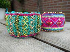 Kijk wat ik gevonden heb op Freubelweb.nl: een gratis haakpatroon van Crochet Addict om deze leuke armband in Ibiza-stijl te maken https://www.freubelweb.nl/freubel-zelf/gratis-haakpatroon-armband/