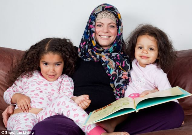 Party-girl, Heather Matthews converts to Islam. Here, with daughters. She says: Islam is about real love, not just lust.