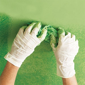 How to rag roll paint for an old world look paint ideas for Rag rolling painting ideas
