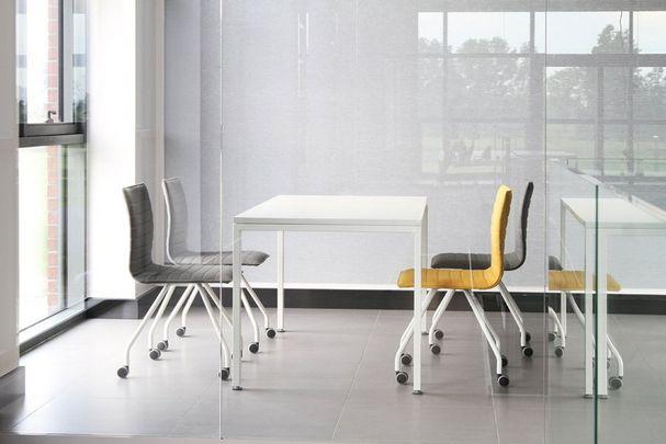 Krzesła ORTE 3DH #elzap #meblebiurowe #meble #furniture #poland #warsaw #krakow #katowice #office #design #officedesign #officefurniture #chairs #conference #table #interior www.elzap.eu www.krzesla.krakow.pl www.meble-metalowe.com