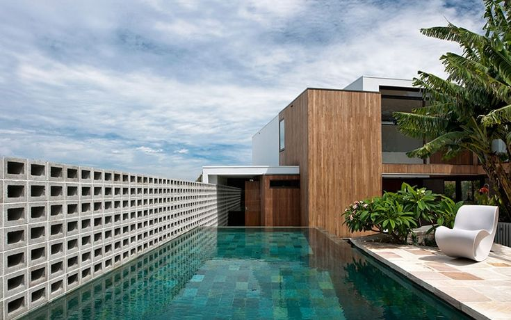 Flipped House / MCK Architecture #pool