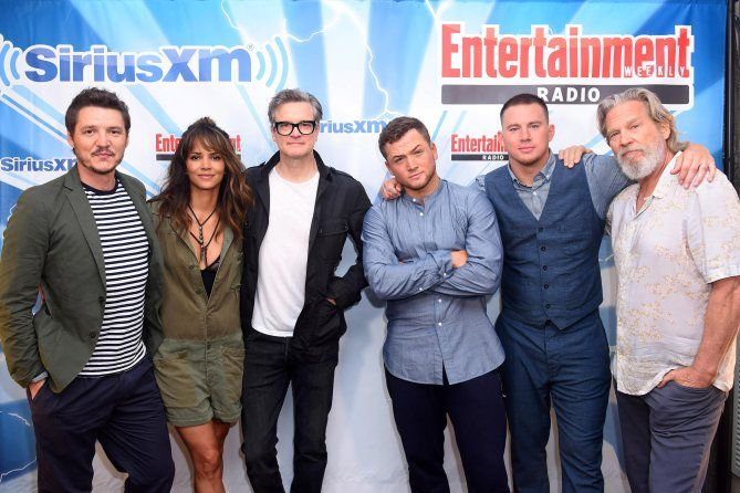 Kingsmen The Golden Circle: Pedro Pascal, Halle Berry, Colin Firth, Taron Egerton, Channing Tatum, and Jeff Bridges at San Diego Comic Con 2017 SDCC (photo via Entertainment Weekly)