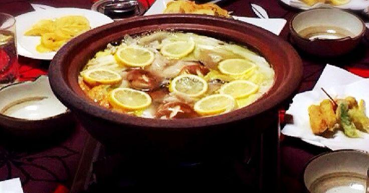 NHK「うまい!」で紹介していただいたメニュー。 瀬戸田のレモンで牡蠣やお肉、お野菜がたっぷり食べれるお鍋のレシピです。