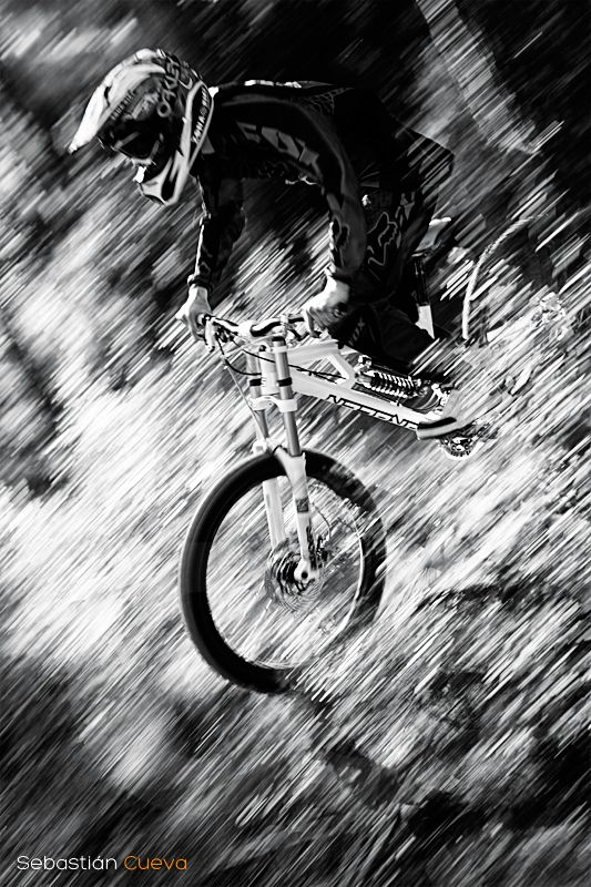 #Downhill - BW - Rider: Andreu Gonzalez. Location: Barcelona, Spain. Copyright: www.fotografia-decueva.es
